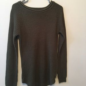 Sweaters - Ribbed army green sweater